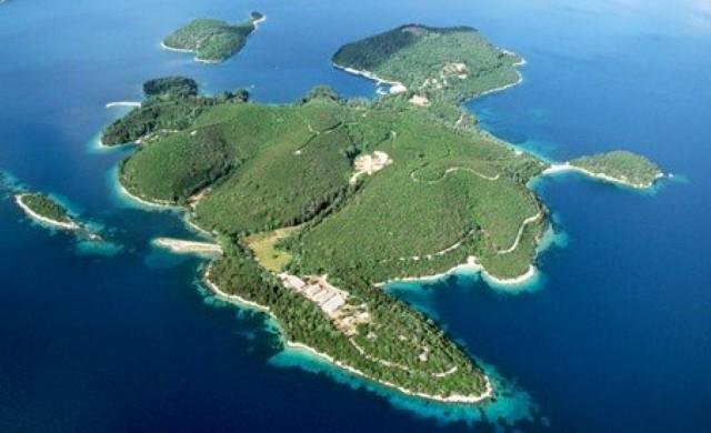 Гръцки остров ще предлага 7-дневна почивка срещу 1 млн. евро