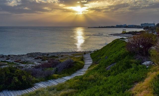 Кипър облекчава достъпа за туристи