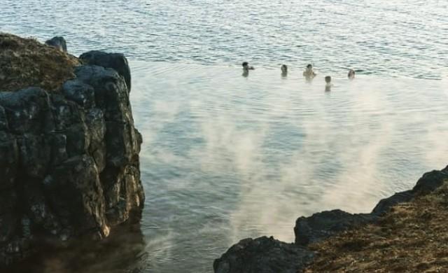 В Исландия откриха геотермална лагуна със 75-метров инфинити басейн