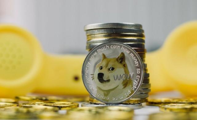 """Милионер от """"кучешката валута"""" отказва да продава, вече притежава 2 милиона"""