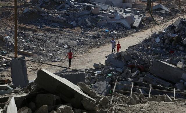 """Ракетен удар срути сграда с офисите на АП и """"Ал Джазира"""" в Газа"""
