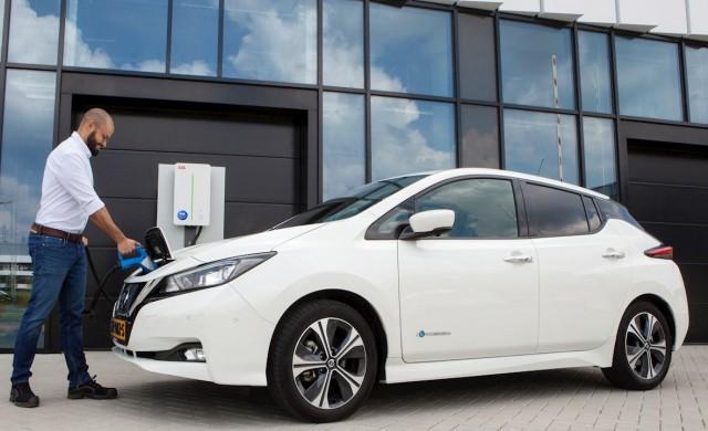 Нови възможности за зареждане на електромобили и търговия с енергия от АББ