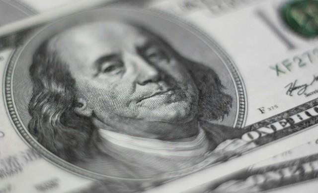 Задава ли се нов срив на щатския долар?