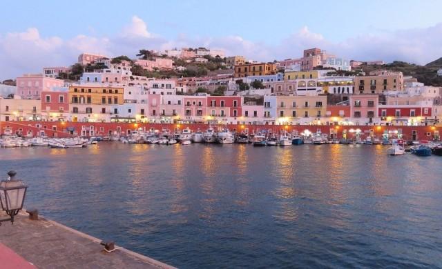 10 красиви италиански острова, които само местните посещават (снимки)