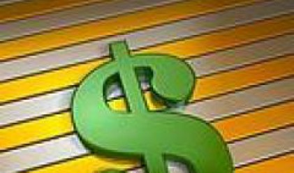 Доларът с четири и половина годишен максимум спрямо йената