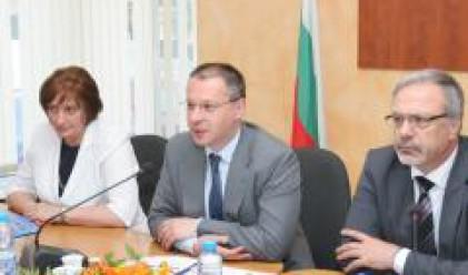 """Подписаха първите договори за проекти по ОП """"Регионално развитие"""