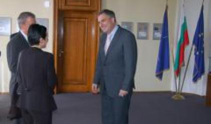 Калфин се срещна с директор в Световната банка за нашия регион