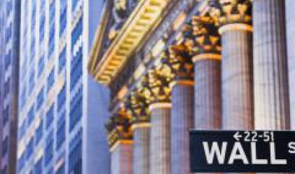 Dow Jones слезе за кратко под 12 000 пункта в сряда