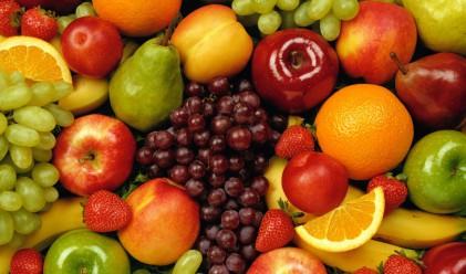 Домати, краставици и череши, продължават да поевтиняват