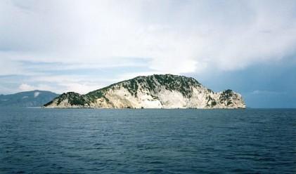 Продава се - тих, красив и безлюден остров