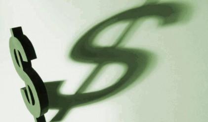 Слаба щатска икономика може да върви със слаб долар