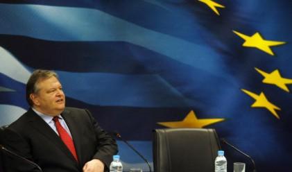Гръцките банки може би първи ще приемат Виенския договор