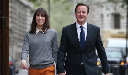 Британският премиер забрави дъщеря си в пъб
