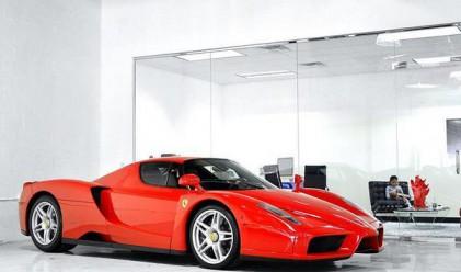 Трима милиардери наддават за рядко Ferrari на Флойд Мейуедър