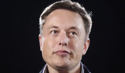 Мъск: Apple ще е конкурент на Tesla, но започнаха твърде късно