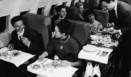 Как интериорът на самолетите стана по-евтин и тесен