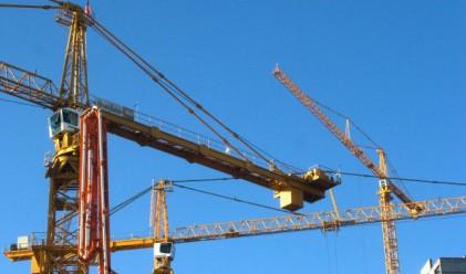 Спад на строителството през април