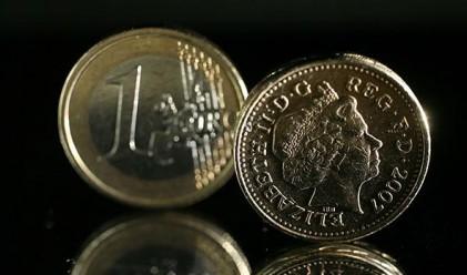 Паундът и еврото възстановиха част от позициите си
