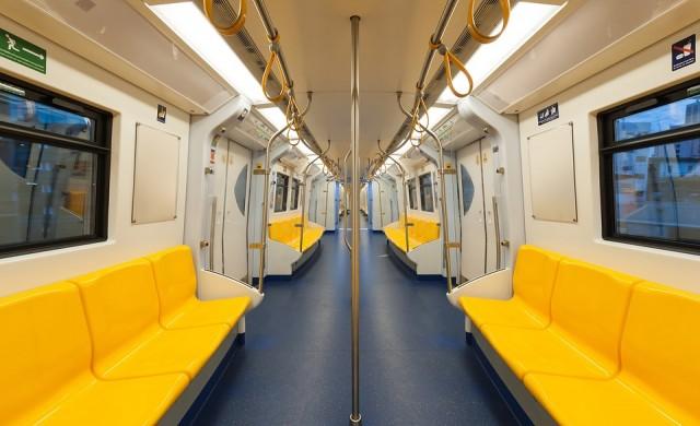 Забранa за мъжете да се разкрачват в градския транспорт в Мадрид