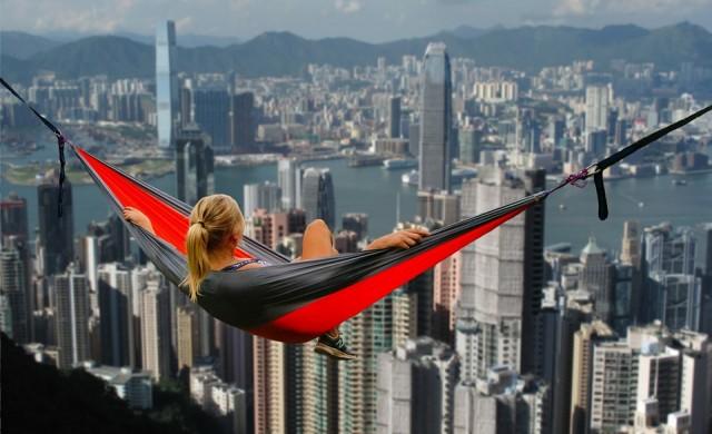 Екзотика, частни самолети и яхти: богатите хлапета на Хонконг