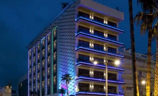 10 хотела, за които не сте знаели, че са собственост на звезди
