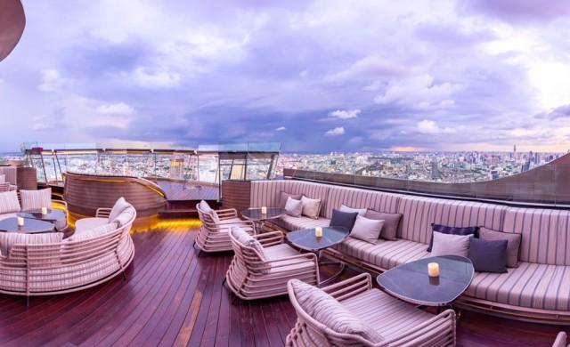 Най-добрата гледка към Банкок е от покрива на уиски бар