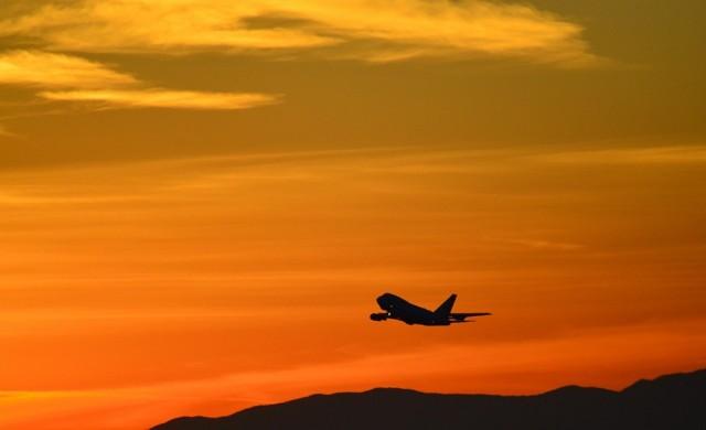 Какво означава шумът в самолета?