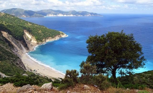 Двойка си купи почивка на Кефалония с настаняване на 600 км