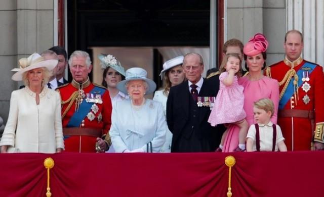 Колко печели Елизабет Втора и откъде идват парите й?