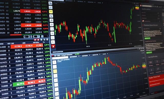 Опасенията около световната търговия ограничиха ръста на акциите