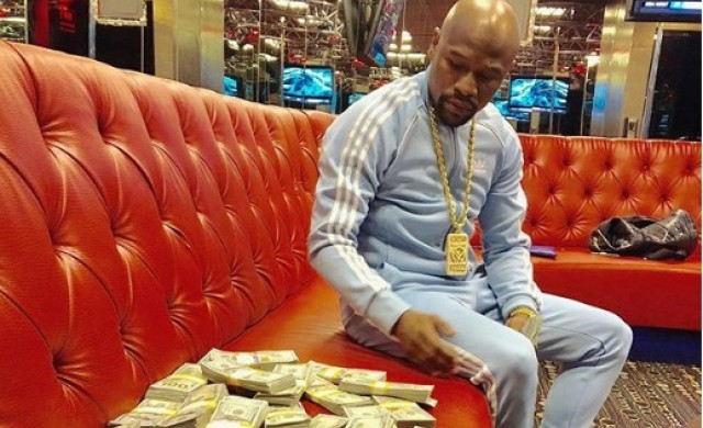 Как Флойд Мейуедър спечели 275 млн. долара за една вечер