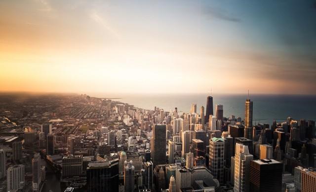 Джеф Безос би могъл да купи всички имоти в Чикаго 5.1 пъти