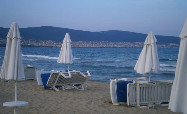 Колко струва сянката на плажовете по морето у нас?