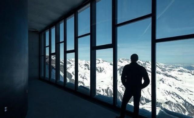 Музей, посветен на Бонд, отваря врати на връх в Алпите