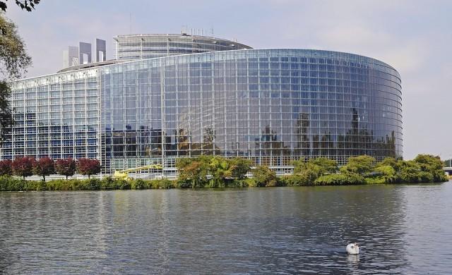 ЕП отпусна 1 млрд. евро на Украйна
