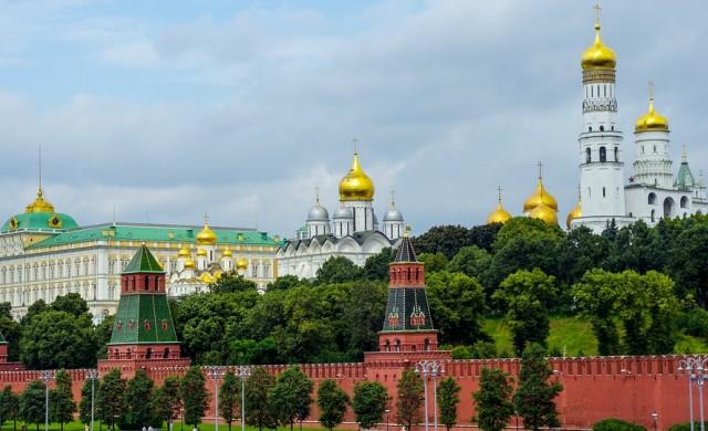 Русия вдига пенсионната възраст и ДДС