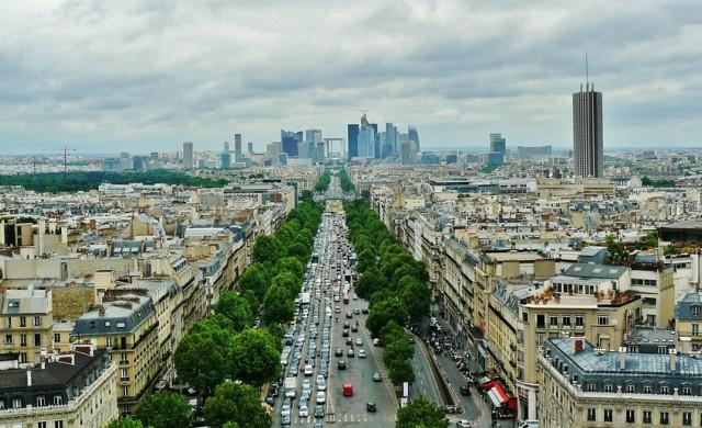 Проблем или атракция са електрическите скутери, завладяващи Париж