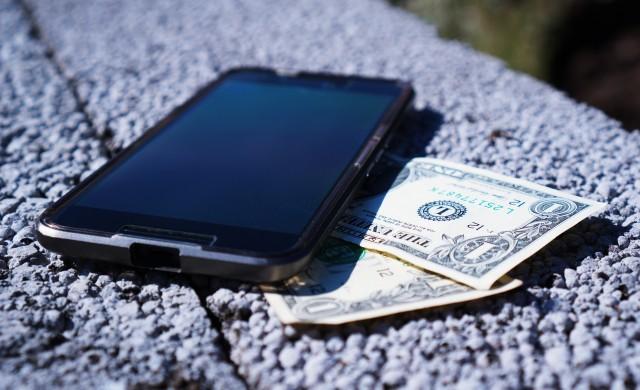 Apple и Samsung приключиха седемгодишната патентна война