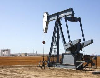 Goldman Sachs: Петролът ще поскъпне до над 80 долара