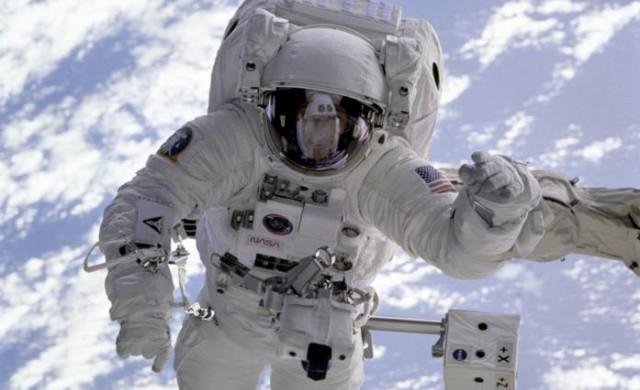 Какво ще носим на Марс: бъдещето на космическите костюми