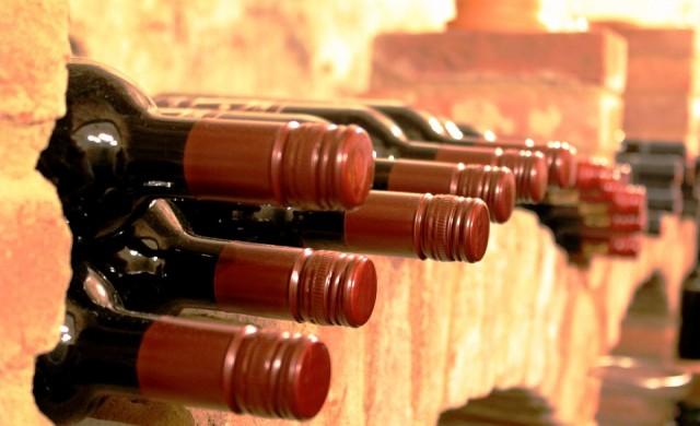 Продава се най-старото вино в света