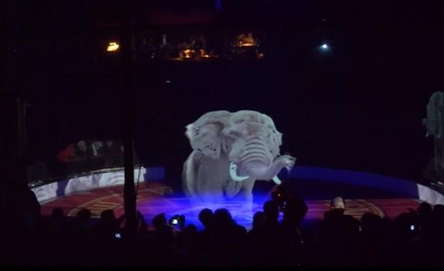 Цирк замени истинските животни с холограмни изображения