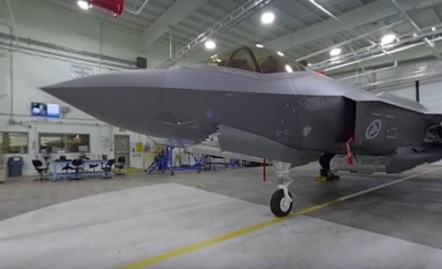 Искате ли да се качите в кабината на изтребителя F-35?