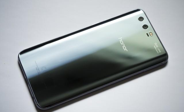 Huawei очаква до 60% спад в продажбите на смартфони в чужбина