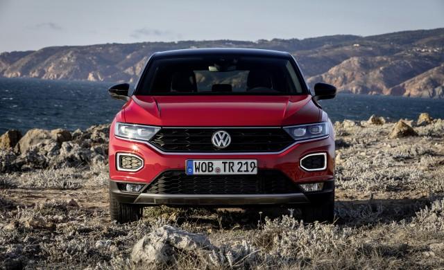 Volkswagen T-Roc Sport - ако пътят ти минава извън пътя