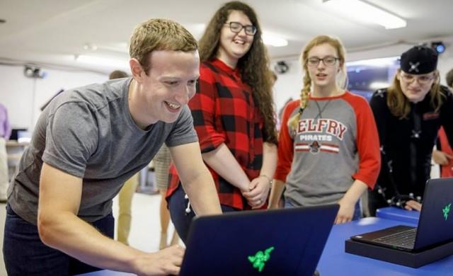Служителите на Facebook вече не обичат Марк Закърбърг както преди