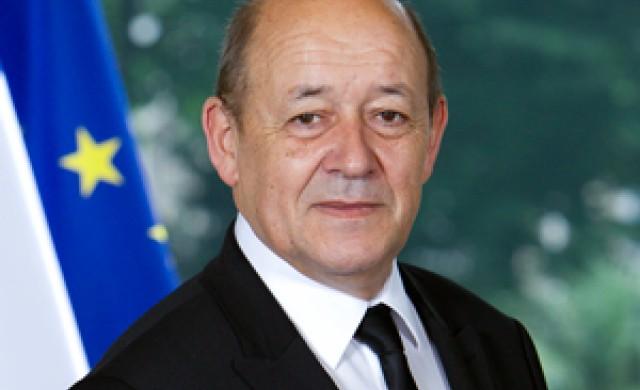 Мнимият френски министър с маска, който открадна милиони