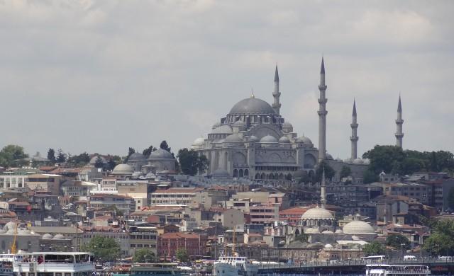 Гражданите на Истанбул отново гласуват за кмет
