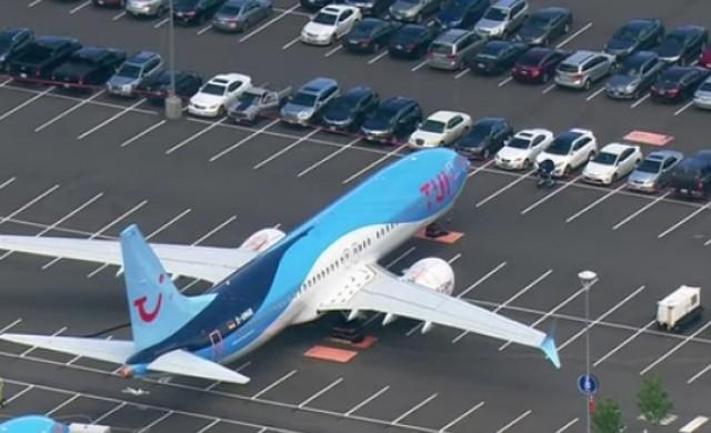 Boeing паркира недоставените самолети на паркинга на служителите