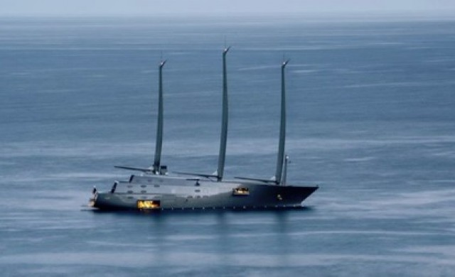 Къде се намира в момента легендарната яхта А?